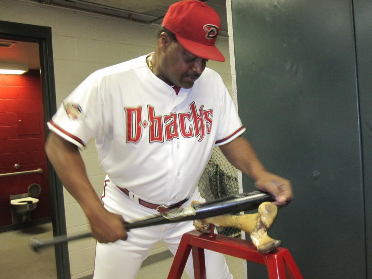 Don Baylor boning the bat